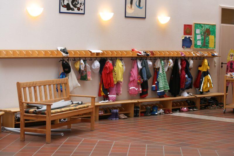Kindergarten marienau werneck unser auftrag for Garderobe kindergarten